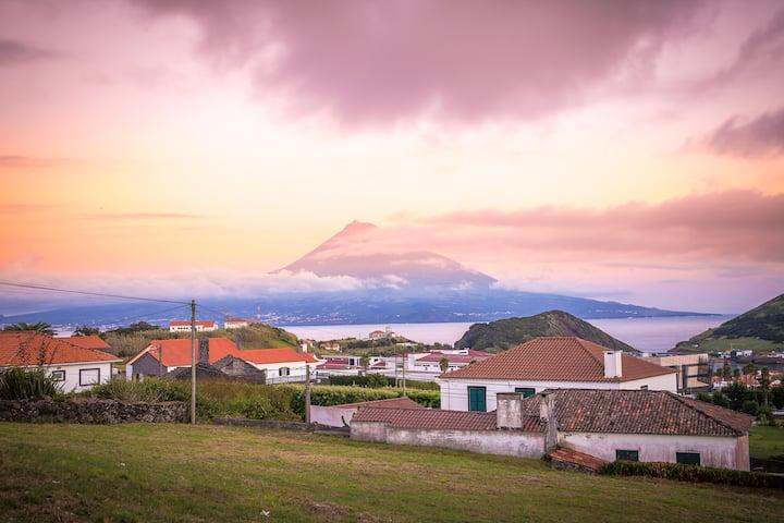 Vista incrível montanha do Pico