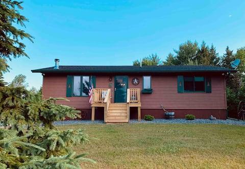 Upper Michigan Cabin Getaway- Close to everything!
