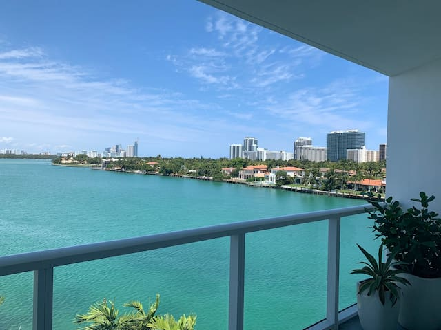 Beautiful Bay Front Views for Beach Island Living
