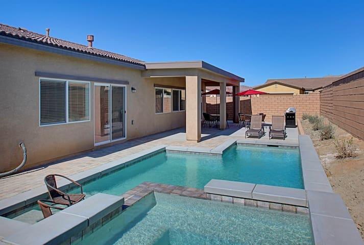 Desert Trip! New House 5 Bed 3 Bath - Indio - Dom