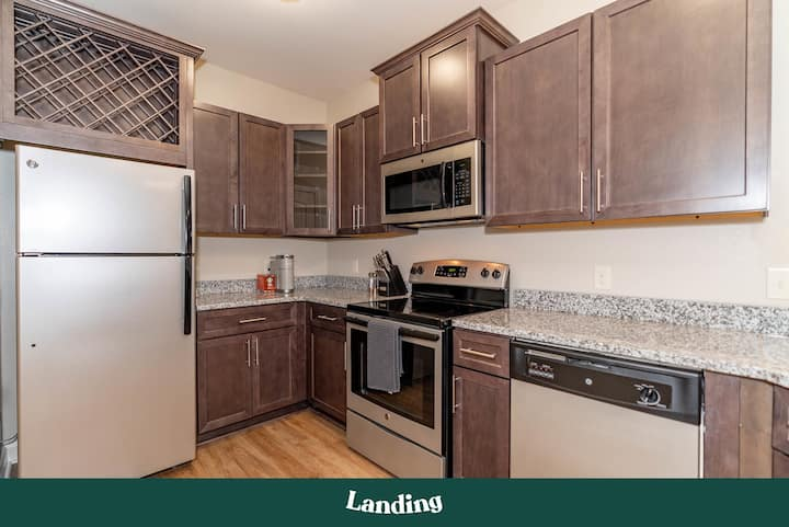 Landing | Modern Apartment with Amazing Amenities (ID696)