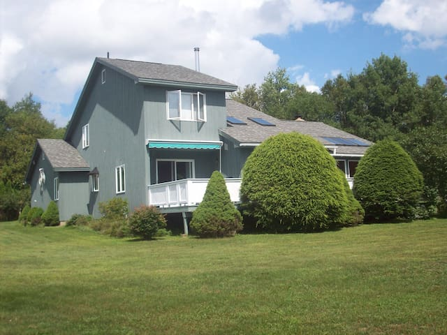 Spacious and bright Adirondack home - Saranac Lake - House