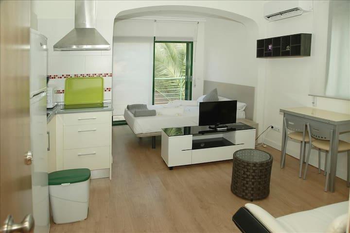 Apartamento-Estudio Parque de El Retiro 2ºB - Madrid - Appartement