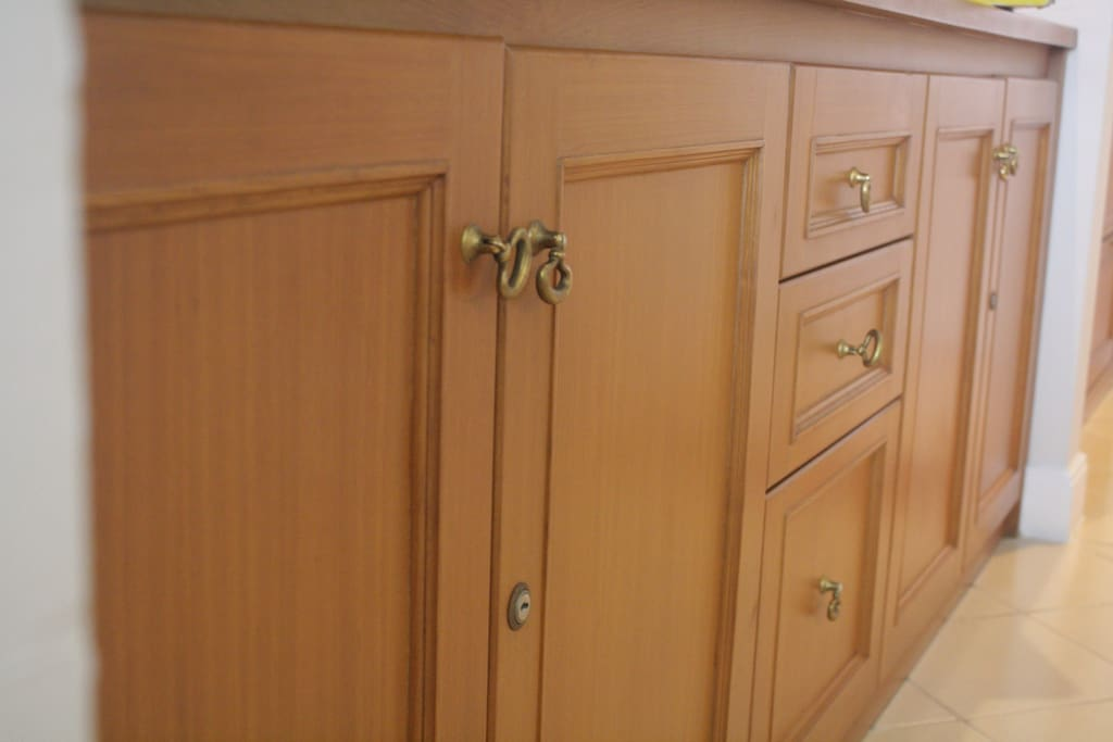 Have a lot of cabinet to save a lot of things