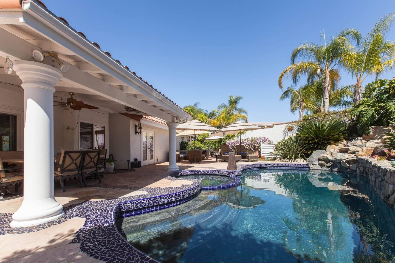 Resort feel pool & spa