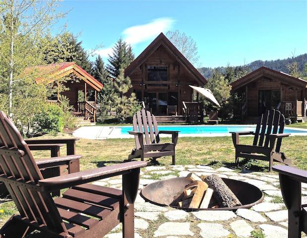 Icicle Camp, Spa, Pool, Views - Leavenworth - Hytte