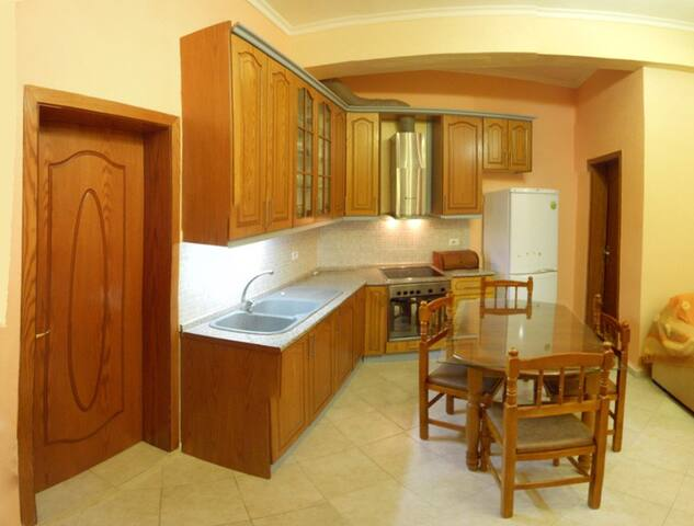 Centrally Located Apartment  - Gjirokaster - Byt