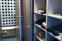 WALKING CLOSET Y BANO EN SUITE