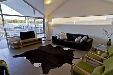 Bo'Vine Holiday Apartment - Cowaramup