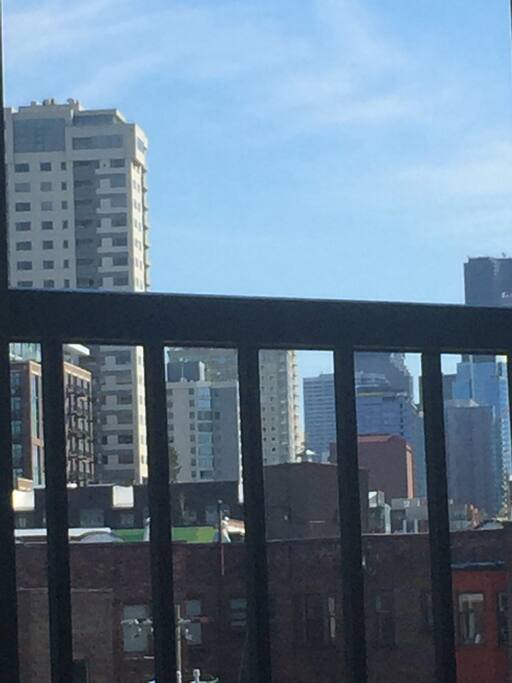 Seattle loft 96 walk score apartments for rent in for Seattle view apartments