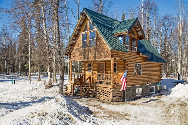 Secluded Palmer House in the Chugach Mountains!