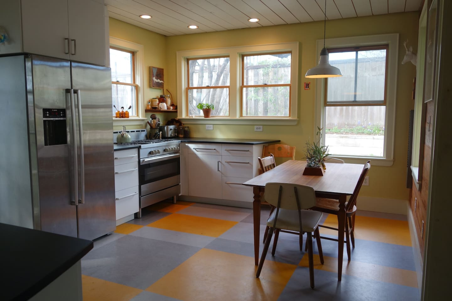 kitchen... big, bright, and sunny