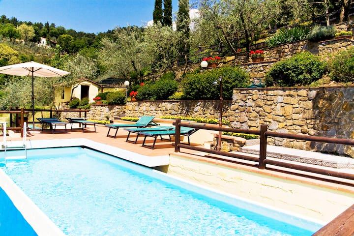 Tuscan villa in the Chianti hills - Loro Ciuffenna - Villa