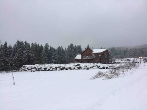 Family Chalet w/ Hot tub and 100 acres to explore