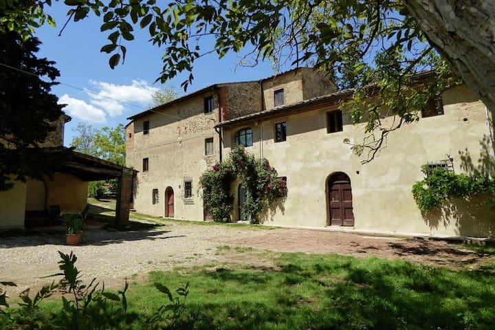 Fantastic typical Tuscan apartment in Chianti