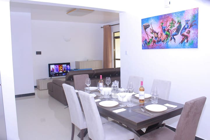 Modern, Serviced Private Room in Serene Location.