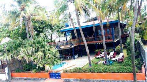 Ranch Santanita - Beachfront 4 BR home with pool