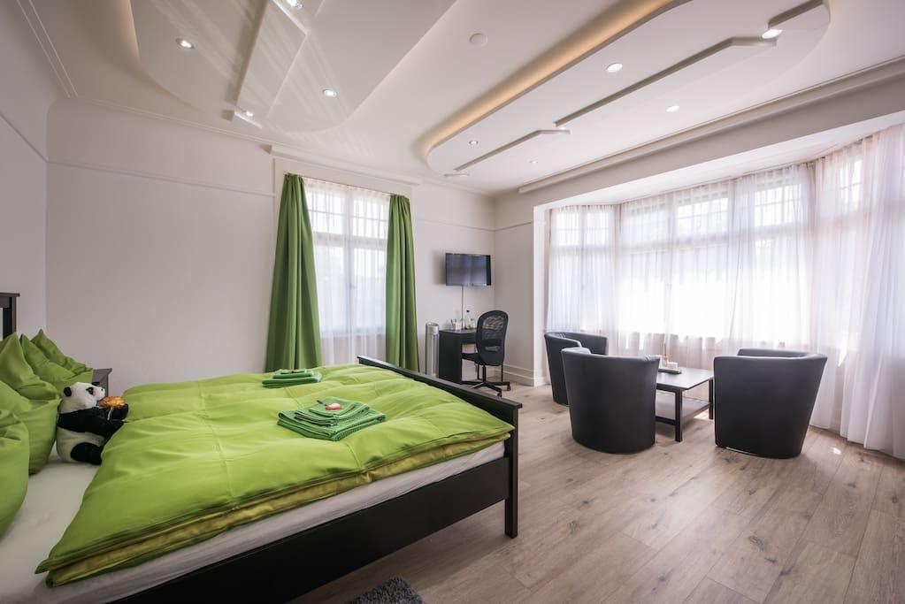 Deluxe Junior Suite, Bedroom