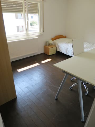 Quiet room Rhine Strasbourg with separate entrance