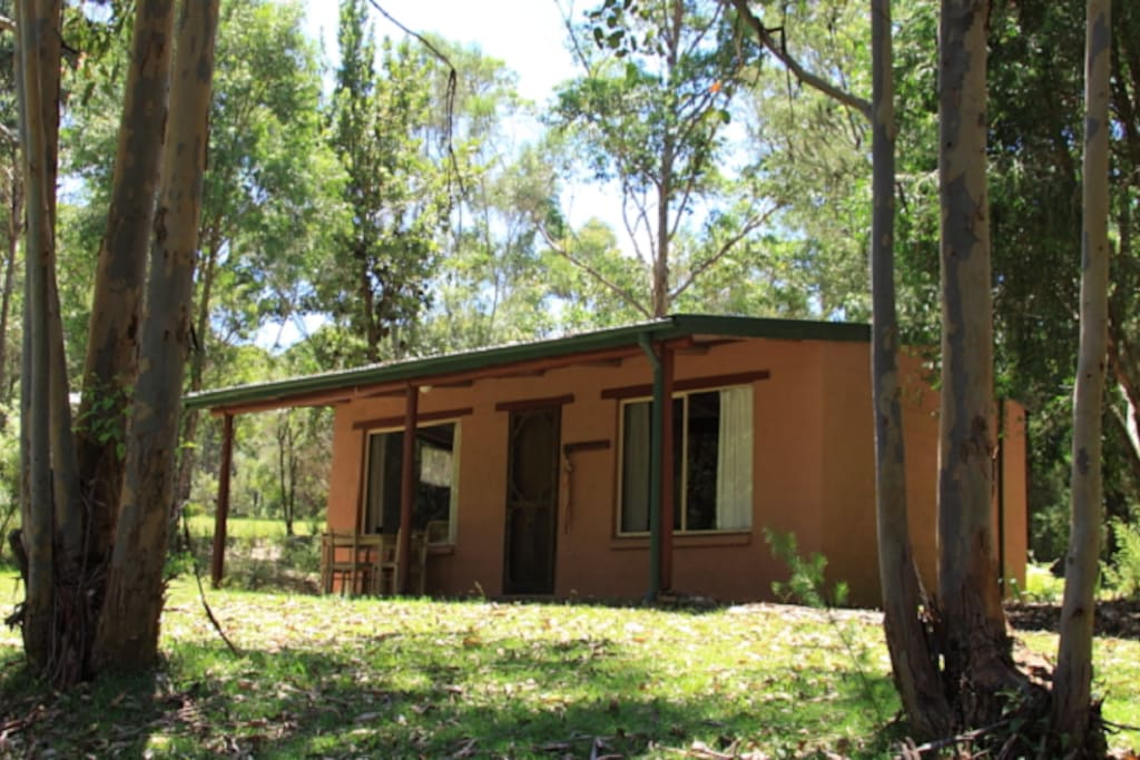 Clyde river retreat didthul cabins for rent in morton for Castle haven cabins
