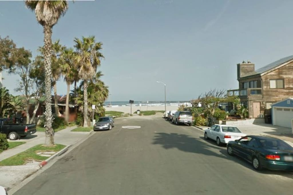 Only street in Ocean Beach that ends right into the sand