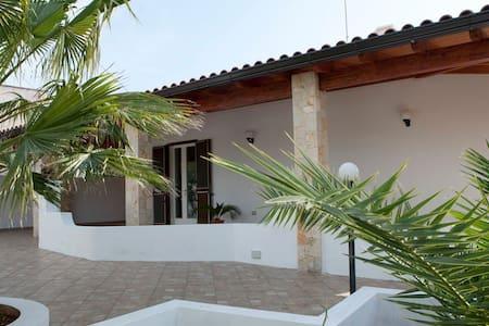 Villa a due passi dal mare - Capilungo, Alliste - 別墅