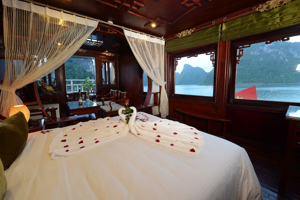 Suite Cabin with Balcony