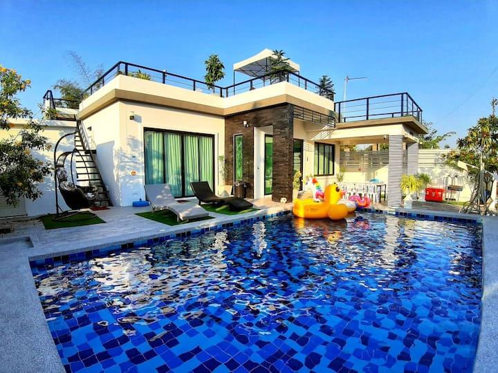 Mypool villa huahin