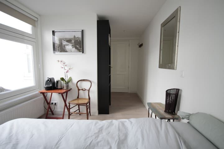 Room with private bathroom & access - Amsterdam - Leilighet