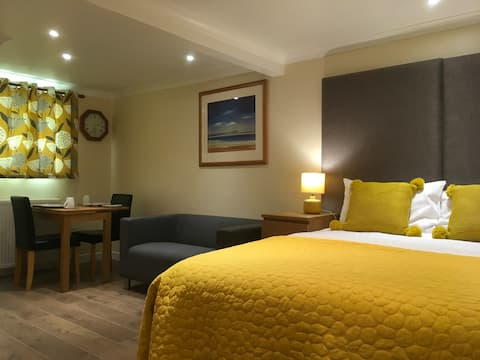 The Shelterdeck Self Catering @ The Moorings