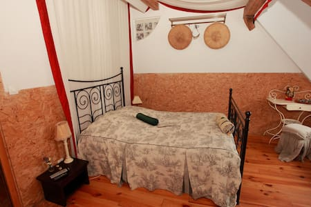 Chambre Voyages-Voyages - Courcelles-Chaussy