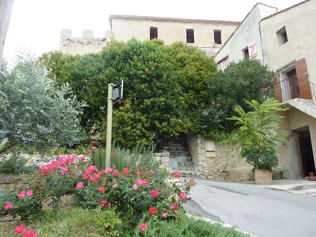 Maison de Village-Spécial Forfait Curiste 1ou2pers - Gréoux-les-Bains - Huis