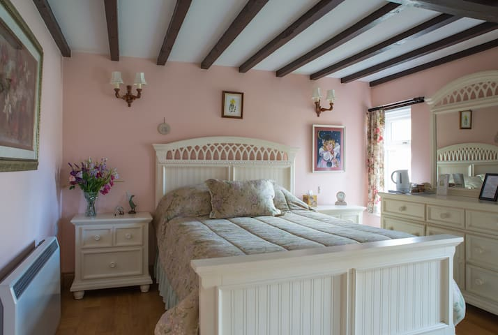 Orchard Cottage B&B. Church Road, Greystoke