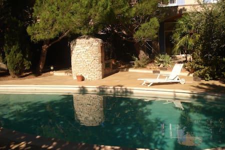 Villa avec piscine 15 mn de la mer