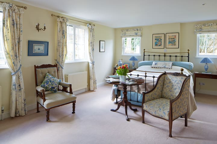 beautiful rooms in country home