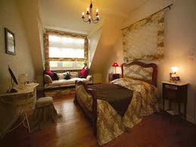 "Chambre familiale ""Autrefois"" - Courcelles-Chaussy - Bed & Breakfast"