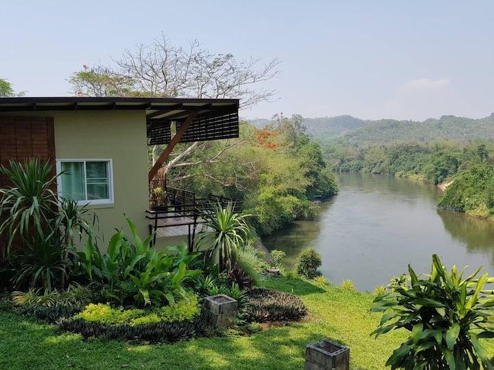 Kwainoyriverpark Resort, panoramic riverside view