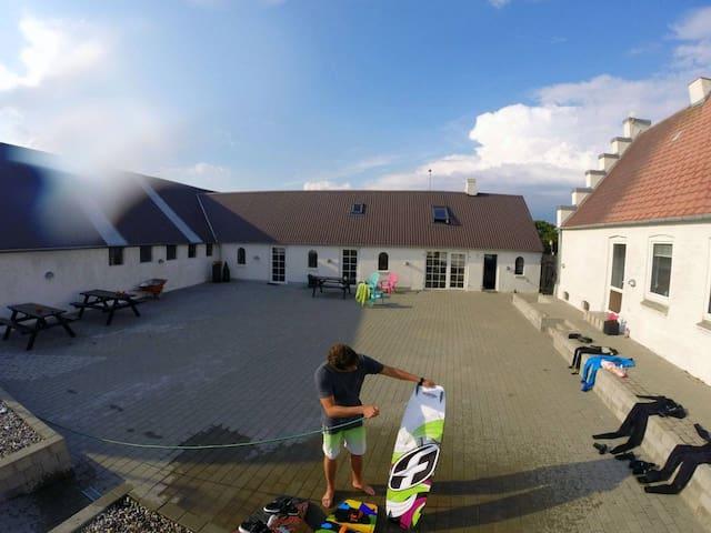 SURF HOUSE Sundgaarden - Thyholm - Hus