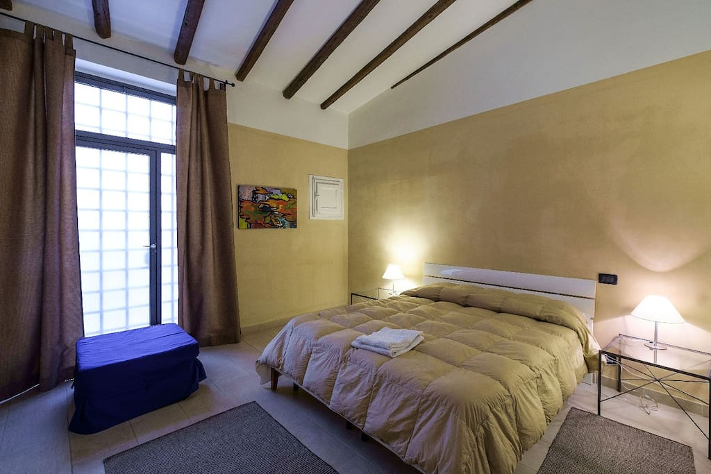 Palermo centro storico trilocale appartamenti in affitto for Appartamenti in affitto a palermo arredati