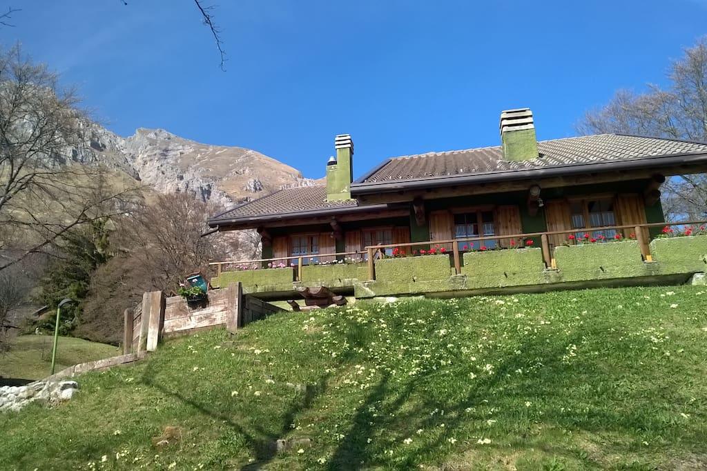 La montagna a due passi dalla citta ville in affitto a for Piani mensili in montagna