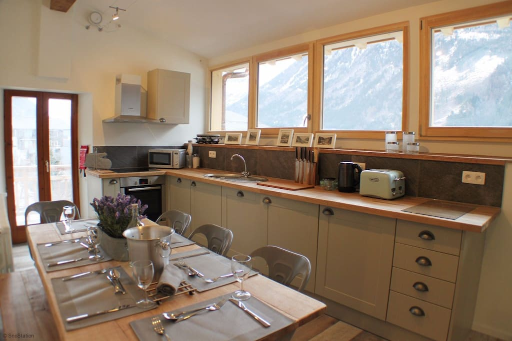 Beautiful kitchen and dining area