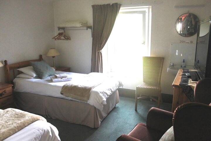 Dunovin Guest House