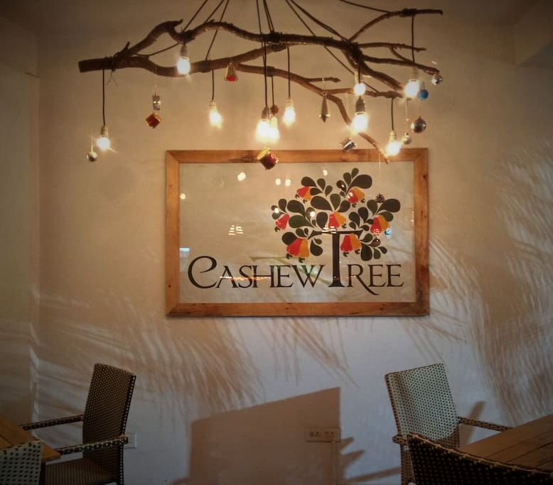 """Cashew Tree"" restaurant on-site"