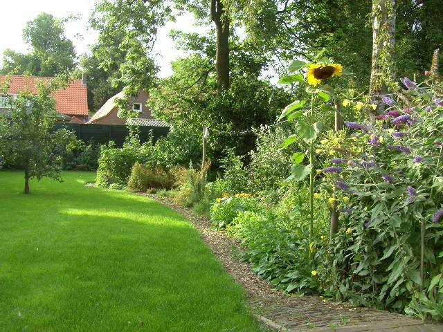 room in a house with a big garden - Ravenstein - Bed & Breakfast