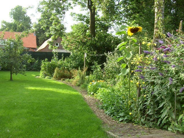 Nice house, natural area, river nb - Ravenstein - Bed & Breakfast