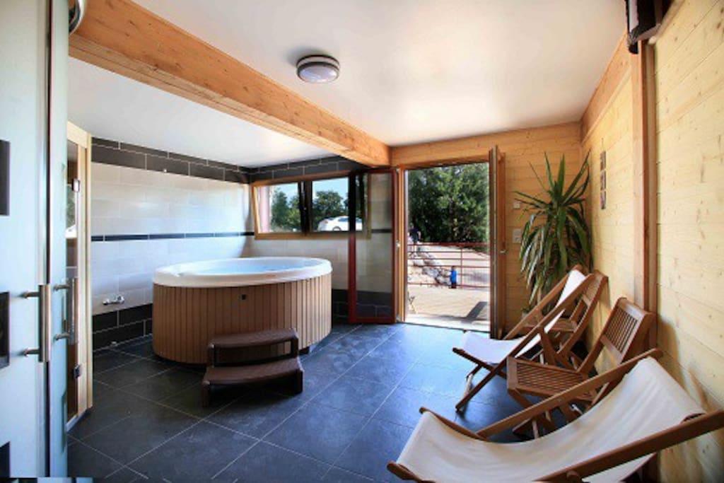 Espace Détente avec SPA & Sauna