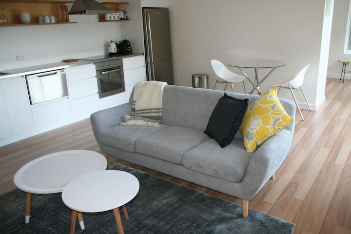 Apartment No 3 - Gorgeous 1 bedroom - Dynnyrne - Wohnung