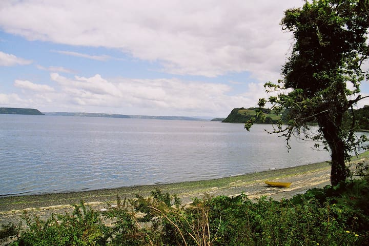 House in Chiloe facing the see - Dalcahue - Hus