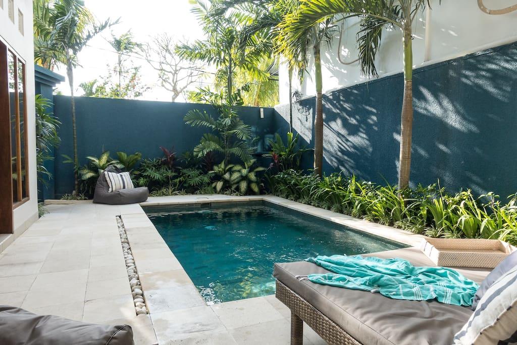 Sun lounge pool