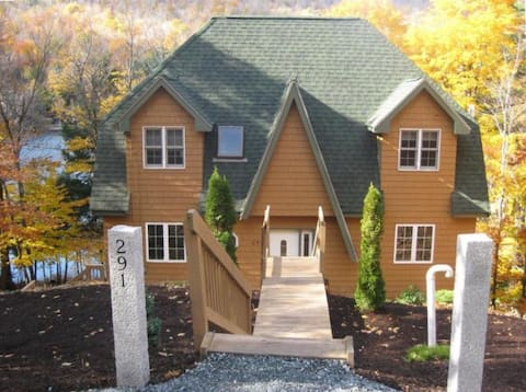 Cozy Vacation Home (3BR/3.5BA) Near Lake & Mt